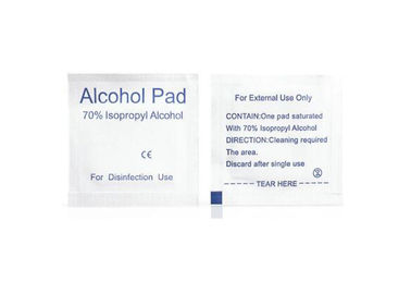 China Non - Woven 70% Isopropyl Alcohol Cleaning Wipes 65x30mm / 60x60mm For Skin Care supplier